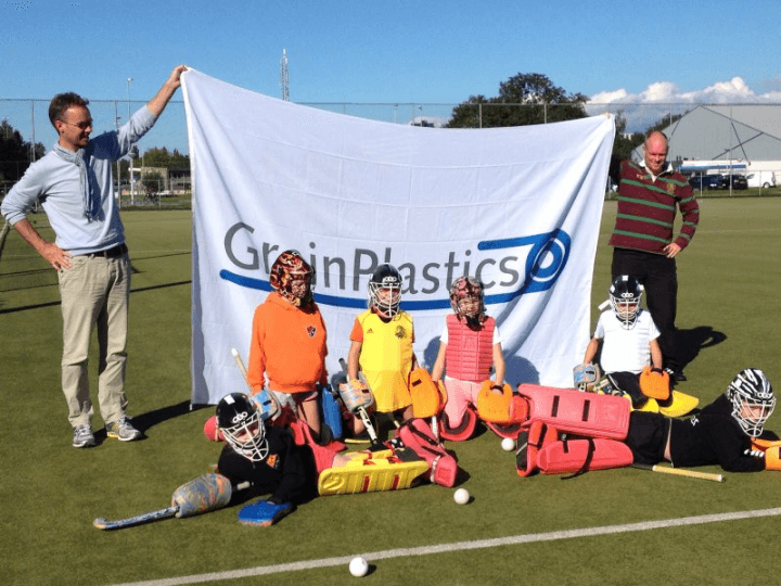 Sneeker Mixed Hockey Club traint met GrainDrain